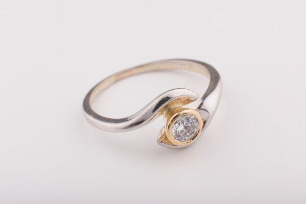Modern egyköves gyűrű